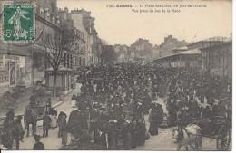 CPA, Rennes, La Place Des Lices, Un Jour De Marché - Rennes