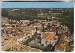SAUJON 17 - Place De L'Eglise - CPSM Dentelée GF - Charente Maritime - Saujon