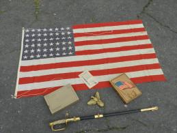 SUPERBE DRAPEAU U.S.A. 48 ETOILES 39-45 + BOITE + AIGLE + ETAT NEUF  ............ - Flags