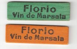 2 JETONS EN BOIS FLORIO VIN DE MARSALA ( JAUNE-ORANGE+VERT ) - Altre Collezioni