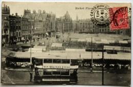 Nottingham, La Place Du Marché. Market Place. Tramway Avec Pub Van Houten's Cocoa. - Nottingham