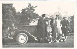 23636 Photo 2  Traction Citroen Automobile Voiture Ancienne Rosalie 10cv- Chalons Sur Marne Photographe Boulve -famille