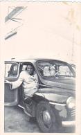 23655 - Photo Automobile Voiture Ancienne - Chalons Sur Marne Photographe Boulve - Renault 4 Cv ?