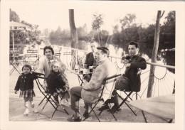 86 - Bonneuil Matours  -  Photographie De Famille 1961  -sur Le Bord De La Vienne - Places