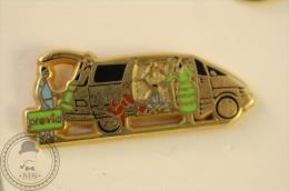 Toyota Previa - Arthus Bertrand Paris - Pin Badge - #PLS - Arthus Bertrand
