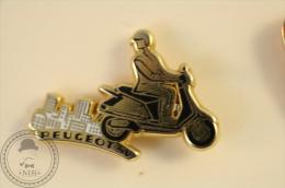 Peugeot SV Scooter - Arthus Bertrand Paris  Pin Badge  - #PLS - Arthus Bertrand