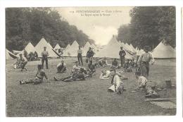Cp, Militaria, Fontainebleau - Camp D'Avon - Le Repos Après La Soupe - Casernes