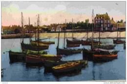 14-GRANDCAMP-les-Bains- Barques   De Pêche Au Port - France