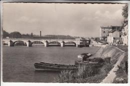 GRAY 70 - Le Pont De Pierre Sur La Saône - CPSM Dentelée PF 1960 - Haute Saône - Gray