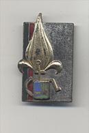 INSIGNE ORIGINAL LEGION ETRANGERE INSTITUTION DES INVALIDES MATRICULE XXXII EN CHIFFRES ROMAINS - Badges & Ribbons