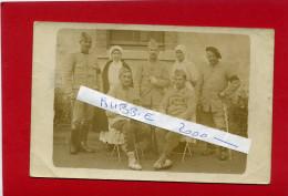 HOPITAL MILITAIRE INFIRMIERE GUERRE 1914 1918 CARTE PHOTO ARGENTIQUE EN BON ETAT - Régiments