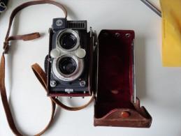 VINTAGE : YASHICA 44 (DANS SON ETUI D´ORIGINE) - Macchine Fotografiche