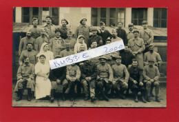 HOPITAL MILITAIRE PEUT ETRE A RAMBOUILLET GROUPE DE BLESSES ET INFIRMIERES CARTE PHOTO ARGENTIQUE - Guerre 1914-18