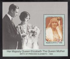 Maldives MNH Scott #1414 Souvenir Sheet 18r Queen Mother On Wedding Day - 90th Birthday - Maldives (1965-...)