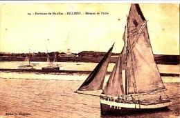 BILLIERS - Bateaux De Pêche - VOILIER, PECHE - CPA  Léger Faux Pli Central Sinon TBon Etat (voir Scan) - Other Municipalities