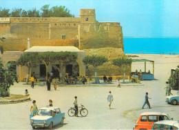 AFRIQUE TUNISIE  Hammamet : La Grande Place (B) (auto Voiture Simca 1000 Renault 4L 4 L Vélo Bicyclette Cycle)*PRIX FIXE - Tunisia