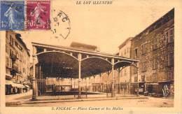 46 - Figeac - Place Carnot Et Les Halles - Figeac