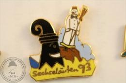 1993 Switzerland Sechseläuten Holiday - Snowman Burning - Pin Badge - #PLS - Ciudades