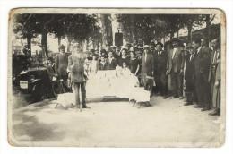 """PARIS  ?  /  MARCHAND  AMBULANT  SUR  LES  GRANDS  BOULEVARDS  ( """" Pédicure André GAUTHIER """" + Automobile ) - Marchands"""