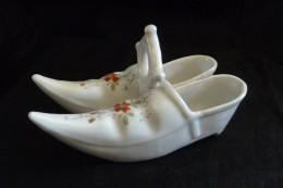 Paire De Sabots, Salière, Poivrière - Ceramics & Pottery