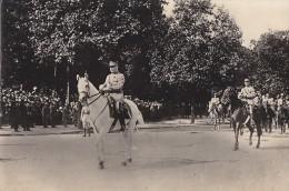 Militaria / Carte-Photo /  Guerre 14-18 / Défilé Champs-Elysées 1919 / Cavalier / Maréchal Pétain - Weltkrieg 1914-18