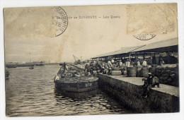 Djibouti--1916--Souvenir De Djibouti--Les Quais  (animée, Bateaux)  N°4  éd Verperian--jolie Carte Avec Cachet Militaire - Gibuti