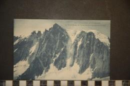 CP, 74, Chamonix Mont Blanc Le Mont Blanc Du Tacul Et Les Aiguilles Du Diable N°1001 Edition C Blanc Chamonix - Chamonix-Mont-Blanc