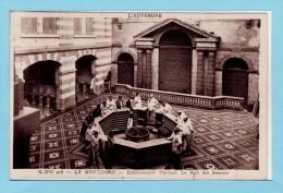 63 LE MONT DORE - Etablissement Thermal -le Hall Des Sources Très Animé - Le Mont Dore