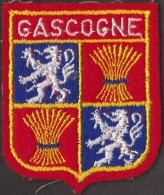 BEAU ÉCUSSON BRODE GASCOGNE - Scudetti In Tela