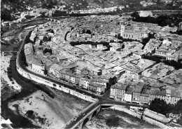 ALES (Gard) - Vue Aérienne - Centre De La Ville. Au 1er Plan, Le Pont Vieux - Alès