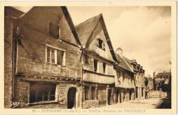 8205. Postal  GUINGAMP  (Cotes Du Armor). Maisons Au Trotrieux - Guingamp