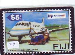 TEMBRE Sur Télécarte  * Stamp  On Phonecard FIJI (213) Briefmarke Auf TELEFONKARTE * AIRPLANE * AVION - Timbres & Monnaies