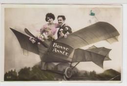 PHOTO MONTAGE -  Avion - Couple - Bonne Année - Airplanes