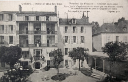 03- VICHY  - CPA -  Hôtel Et Villa Des Eaux - Pension De Famille  - Vue Animée - Vichy