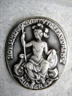 ANCIEN INSIGNE MARINE NATIONALE SOUS MARIN MINERVE A.B + POINCON ETAT EXCELLENT