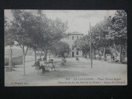 Ref2468 WA CPA Animée Du Lavandou - Place Ernest Reyer - Ligne Du Littoral - Chemin De Fer - Bougault éd. N°951 - Le Lavandou