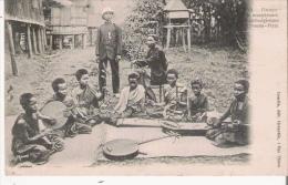 GROUPE DE MUSICIENNES CAMBODGIENNES A PNOMPENH 110     1905 - Cambodge