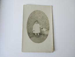 AK / Fotokarte Portrait 1910/20er Jahre ? Kleinkind Mit Kinderwagen / Puppenwagen Und Puppe. Frankreich / Marokko - Portraits