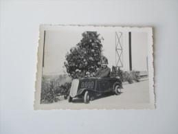 Originalfoto 30er Jahre Tretauto / Kleinkind Mit Spielzeugauto / Bobbycar / Altes Spielzeug.Marokko/Casabla Nca.Rarität? - Automobiles