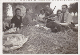 AISNE,PICARDIE,MONCEAU SUR OISE EN 1938,fermier,déjeuner En Plein Air Aprés La Chasse,chasseur,rare - Non Classés