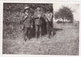 AISNE,PICARDIE,MONCEAU SUR OISE EN 1938,chasseur,chasseurs  De L´époque,fusil,chasse,rar E