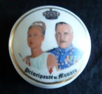 Petite Boite ,  Grace Kelly Et Le Prince Rainier De Monaco, Porcelaine De Monaco - Cerámica Y Alfarerías