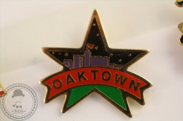 Oaktown Star - Pin Badge  - #PLS - Ciudades