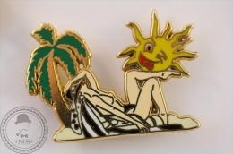 Pin Up Stile Girl On Beach - Sun Winking, Black Colour Suit - Ballard Collection Pin Badge - #PLS - Pin-ups
