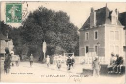 LE POULIGUEN L'avenue Des Lilas Bien Timbrée Belle Animation TTBE - Le Pouliguen