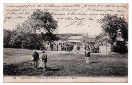 CPA - CABOURG - L'ENTREE DU CHAMP DE COURSES - Animée - N/b - 1911 - N°141 - - Cabourg