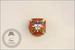 Old F.P.A. Federação Portuguesa De Atletismo/ Portugal Athletic Federation Badge - Helder Cunha 140 R. Correeiros - Atletismo
