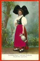 CPA Gaufrée Avec Tissus - Alsacienne - Elsässer Tracht - Costume Alsacien - Alsatian - Alsace - Tissu - Cartoline