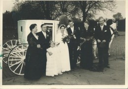 45fab   Photo En Allemagne Mariage  En Caleche Attelage Chevaux En 1953 Photo Ton Und Bild à Koln - Koeln