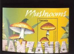 TANZANIA  2324 MINT NEVER HINGED SOUVENIR SHEET OF MUSHROOMS - Mushrooms